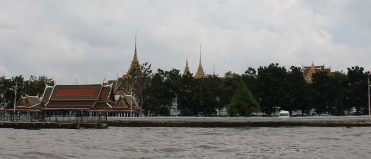 First glimpse of Grand Palace